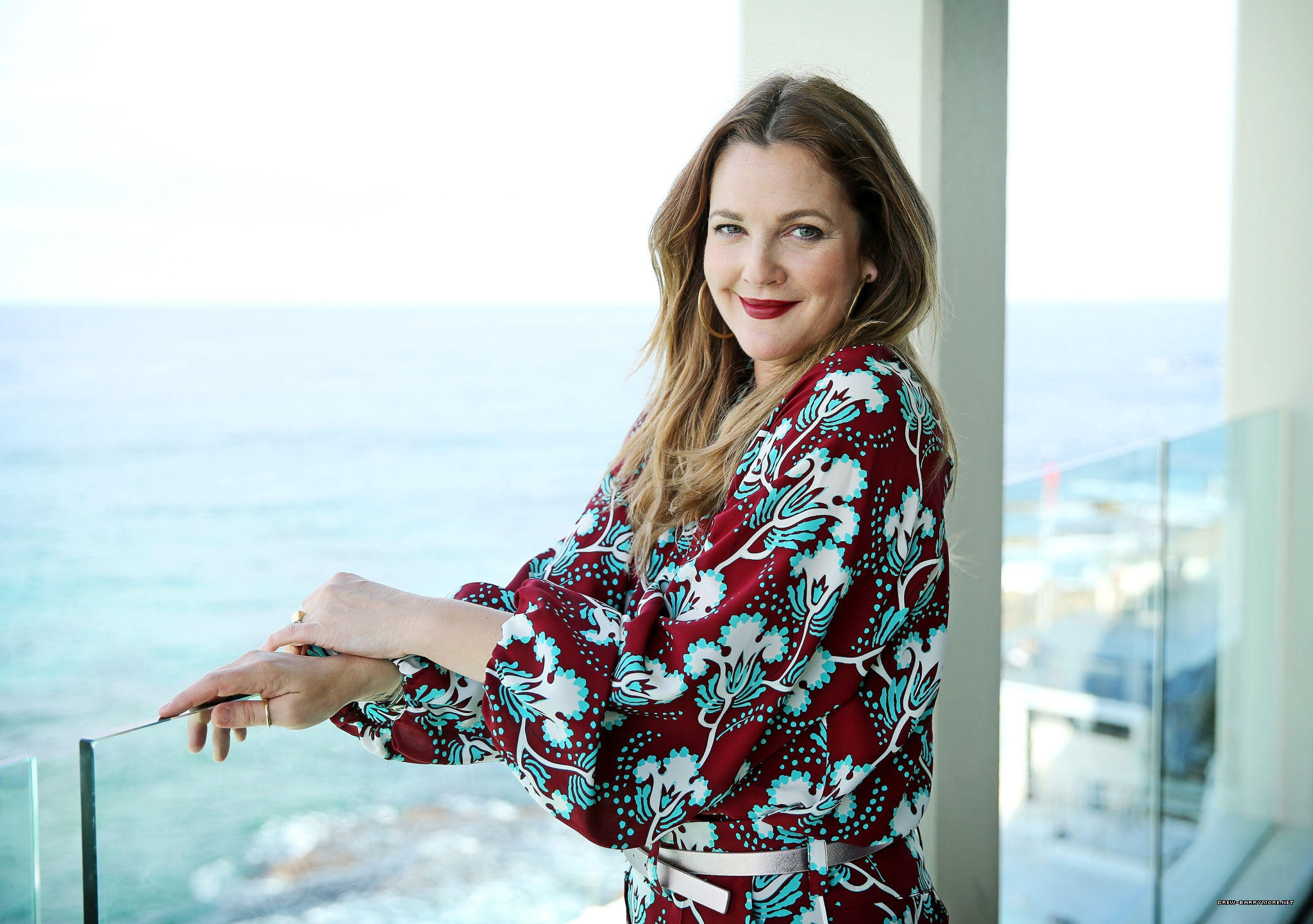 Press: Drew Barrymore Officially Set to Headline Daytime Talker for CBS TV Distribution
